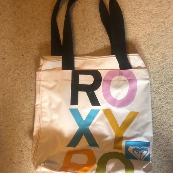 Roxy zip up tote